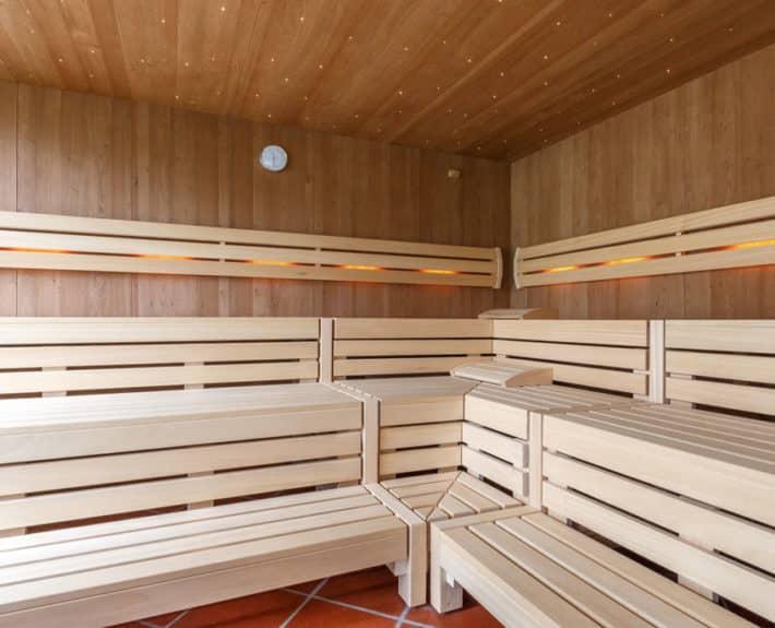 hotel mit sauna und wellnessbereich in marling bei meran in s dtirol. Black Bedroom Furniture Sets. Home Design Ideas